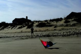 Duck - Kite Flying, sand