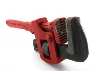 Pipe wrench, squeeze