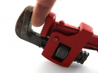 Pipe wrench, press