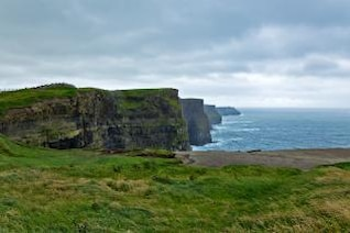 cliffs of moher  sea