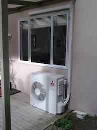 Air conditioner under window, conditioning