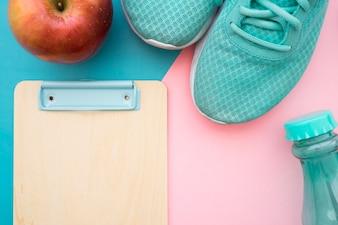 アップル、靴、クリップボード