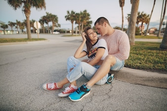 ビーチの美しいカップル