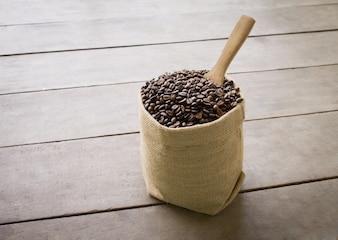 Black italian coffee scoop linen