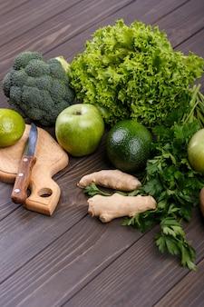 Broccoli salad parsley green avocado
