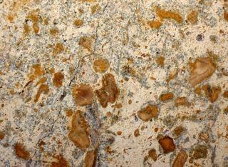 茶色の花崗岩のクローズアップ