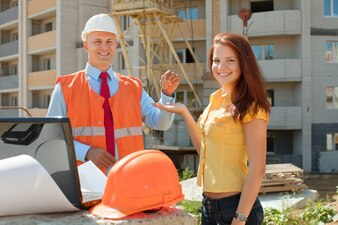 Builder presents the keys to girl