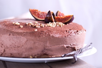 Chocolate cake with figs