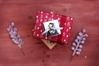 Рождественское украшение с подарочной коробкой
