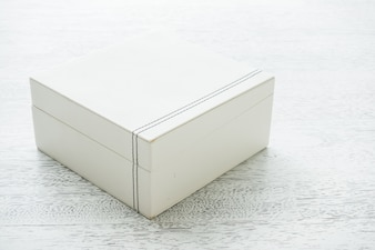Close white box
