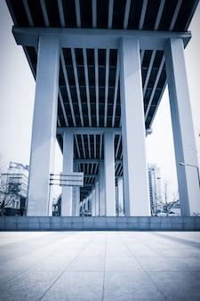 Column business construction symmetry window