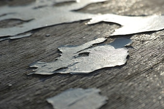 Cracked table paint