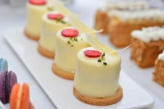 Creamy decorated desserts