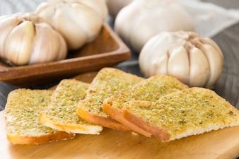 Crispy bread garlic