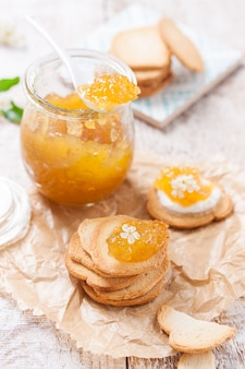 オレンジジャムと無愛想なパン