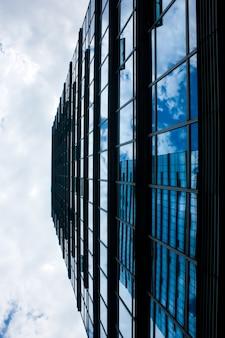 Crystal building