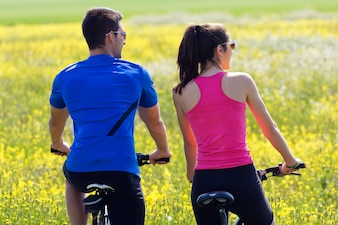 Cycle riding leisure scenic couple