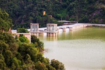 Ter Riverのダム。サウザー