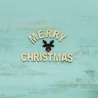 トナカイと手紙とクリスマスの装飾