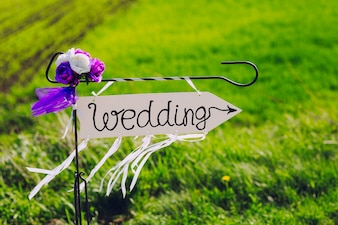 Decorative wedding arrow