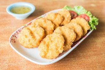 Deep fried shrimp cake