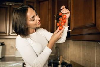 ダイエット料理ポットタブレット女性白