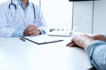 医者と患者。
