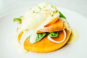 Donut bread with smoked salmon and egg benedict