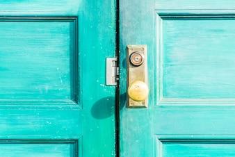ドアがmiddleeasternハンドル