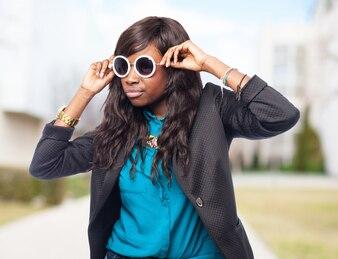 Elegant woman with sunglasses