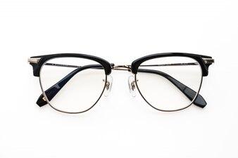 眼鏡を着用します