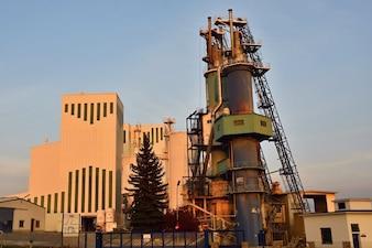 工場。工業建築概念。