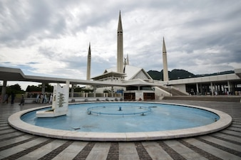 Faisal mosque fountain