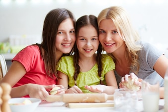 Family baking at home