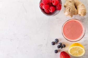 Fresh red smoothie with rapsberries