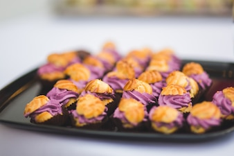 Fritters with purple cream