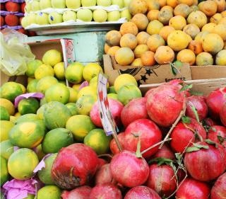 fruit market  oranges