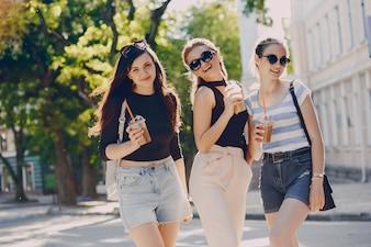 Girls n the town