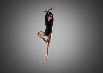 豪華なダンサーの女の子