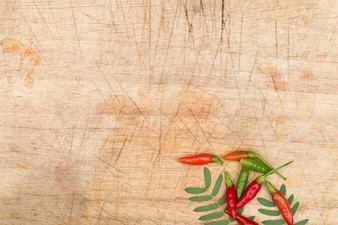 Grunge木製の裁断板、コピースペースデザインと料理の背景