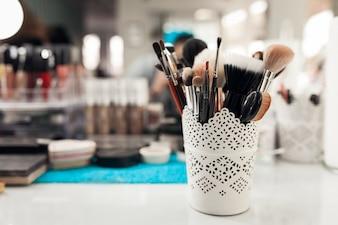 ヘアサロン美容師の美しさ