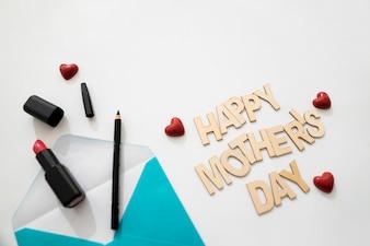 幸せな母親の日封筒とアイライナーのレタリング