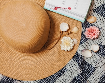 Hat and beach decorative elements