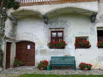 italy bench door home flowers artistry house