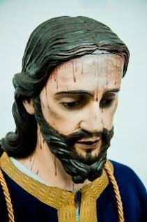 jesus head statue