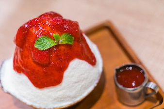Kakigori strawberry ice cream