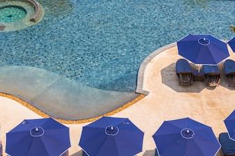 造園の水泳の建物の座席の休暇