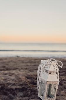 夕日のビーチでLanterna