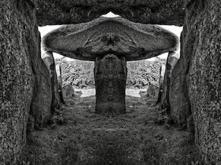 le trepied dolmen   bw hdr