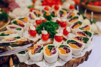 Lid portions